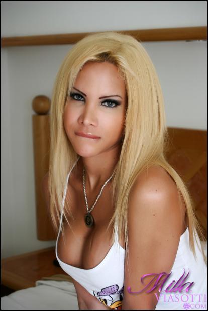 12 Sexy Pics of Milla Viasotti